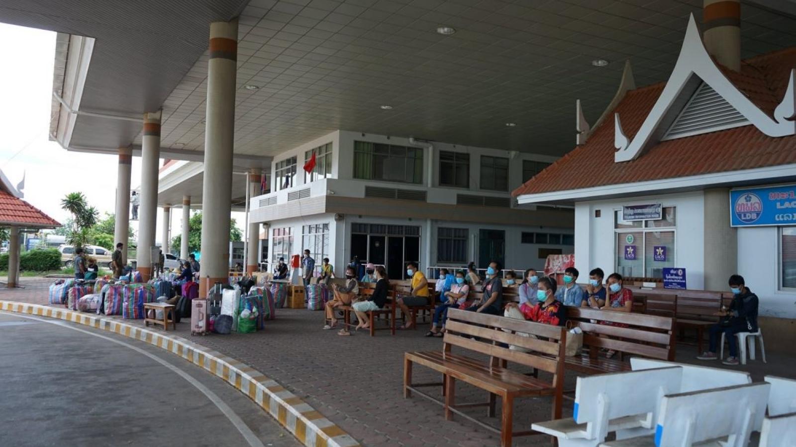 Số ca mắc Covid-19 ở Lào tiếp tục tăng cao