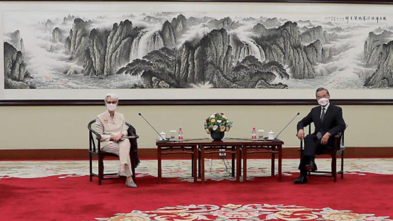 """Trung Quốc vạch 3 """"lằn ranh đỏ"""" ngăn quan hệ Mỹ - Trung vượt tầm kiểm soát"""