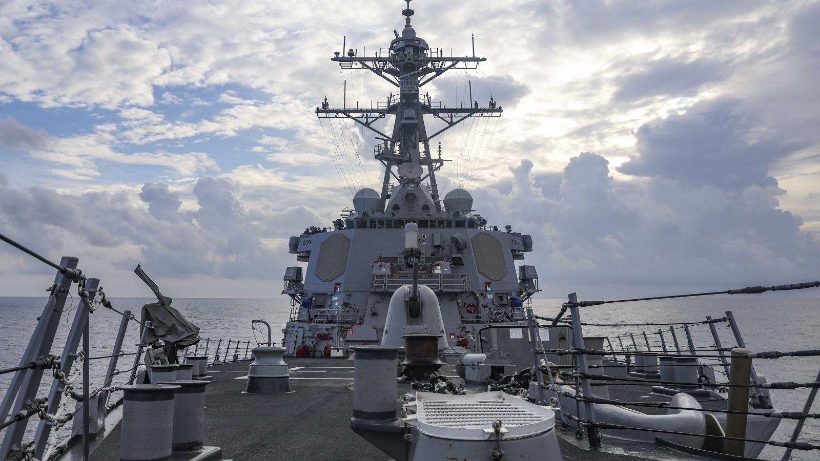 """Hải quân Mỹ bác bỏ thông tin tàu khu trục bị Trung Quốc """"xua đuổi"""" ở Biển Đông"""