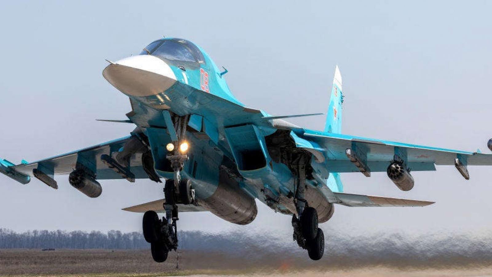 Máy bay Nga diễn tập trên bầu trời Biển Đen - nơi Mỹ và đồng minh đang tập trận lớn