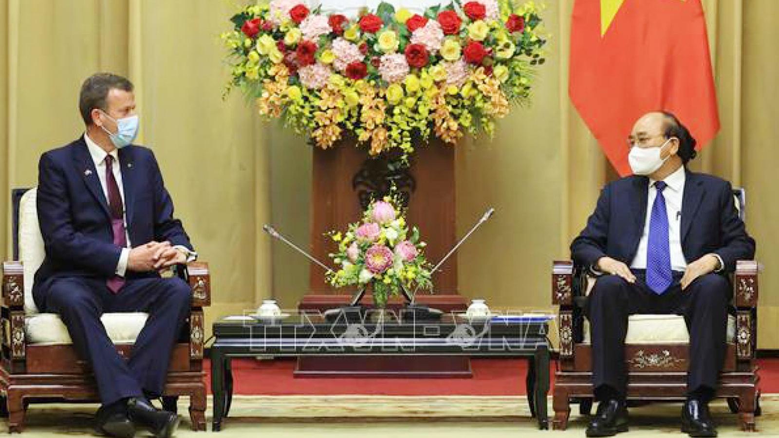 Australian trade minister welcomed in Hanoi