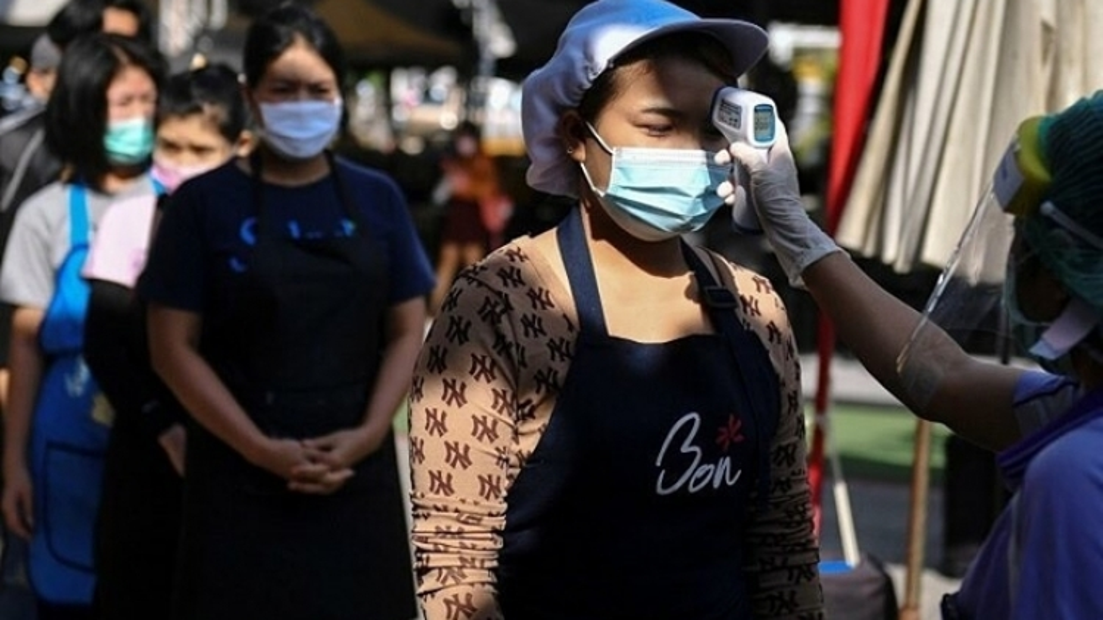 Thái Lan tái áp đặt lệnh giới nghiêm để phòng chống Covid-19