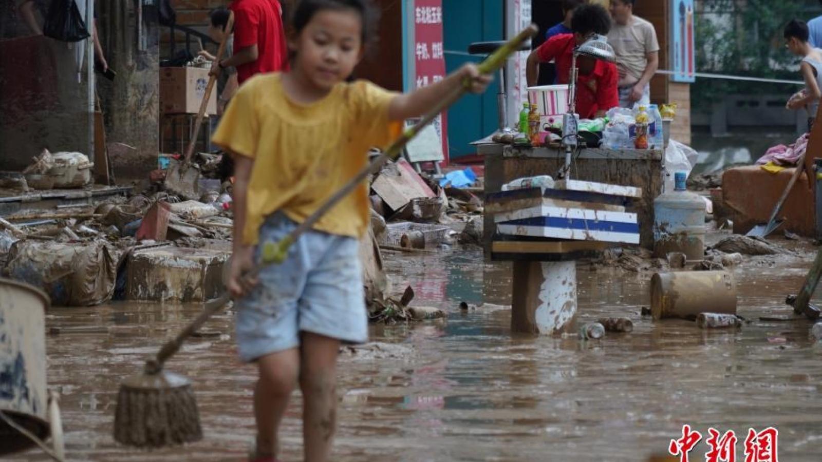 Số người thiệt mạng do mưa lũ ở Trịnh Châu (Trung Quốc) tăng lên 51 người