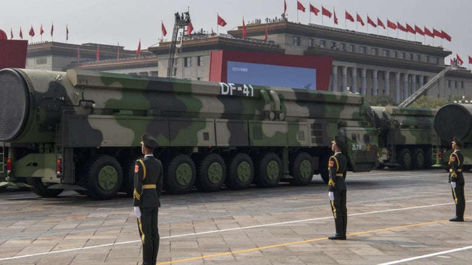"""Trung Quốc xây hơn 100 hầm chứa tên lửa: Cuộc đua hạt nhân với Mỹ được """"kích hoạt""""?"""