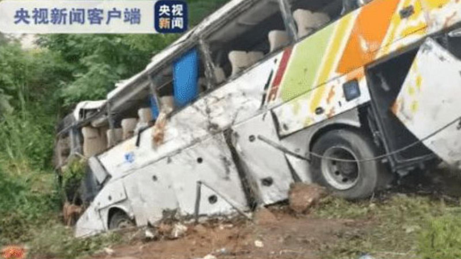 Tai nạn giao thông nghiêm trọng ở Trung Quốc khiến 13 người thiệt mạng