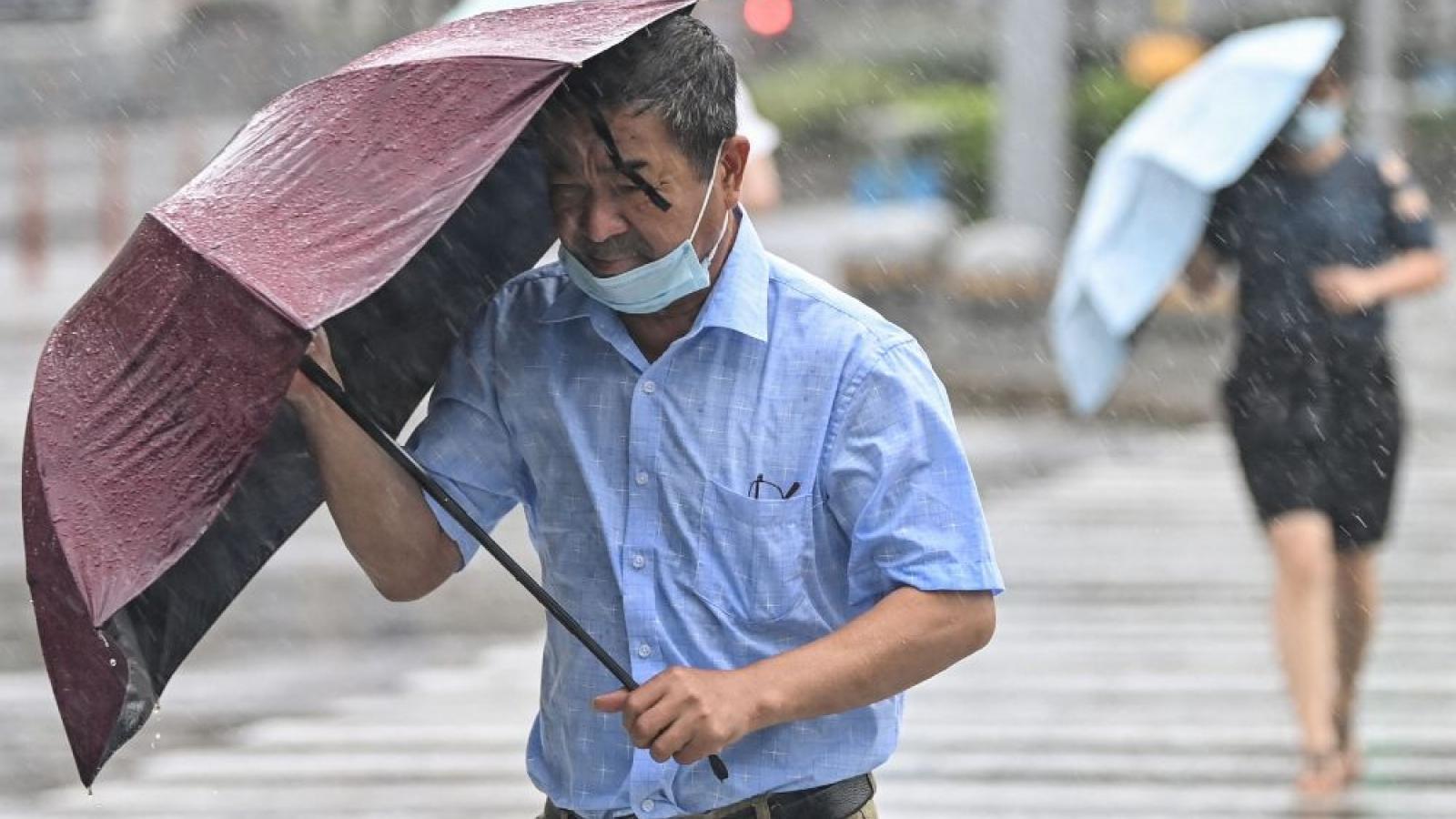 Bắc Kinh (Trung Quốc) ban hành cảnh báo cao nhất về mưa bão