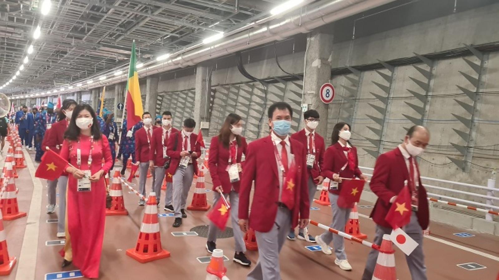 Trực tiếp Lễ khai mạc Olympic Tokyo 2020: Đoàn thể thao Việt Nam tiến vào lễ đài diễu hành