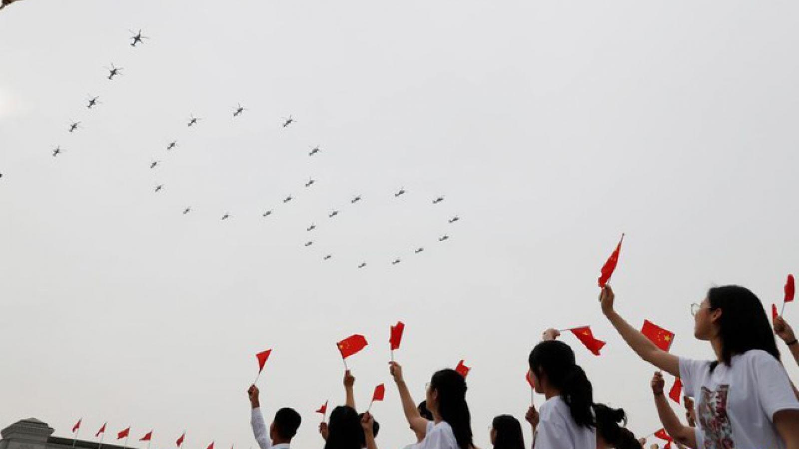 Dàn chiến cơ và trực thăng tại lễ kỷ niệm 100 năm thành lập Đảng Cộng sản Trung Quốc