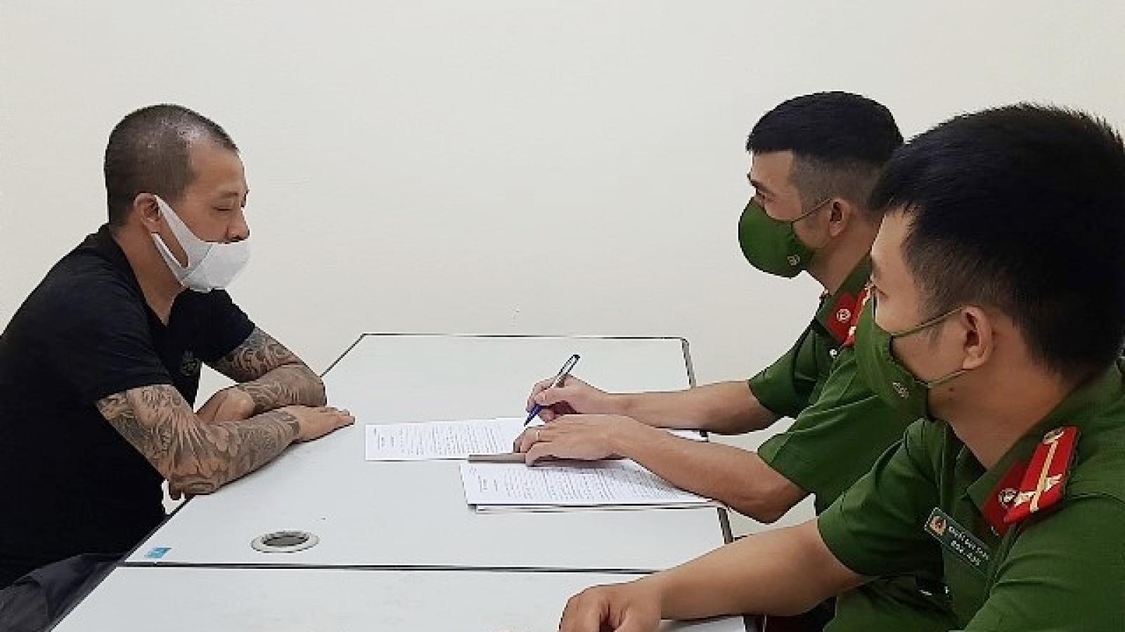 Công an Hà Nội xử lý cặp vợ chồng chống đối tổ phòng, chống dịch Covid-19