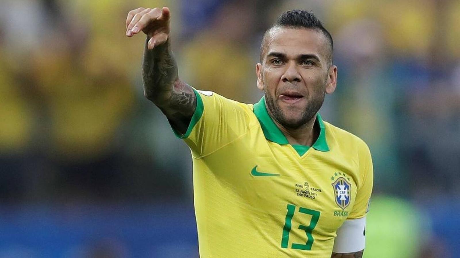 """""""Lão tướng"""" Brazil có cơ hội bỏ xa Messi và Ronaldo ở bộ sưu tập danh hiệu"""