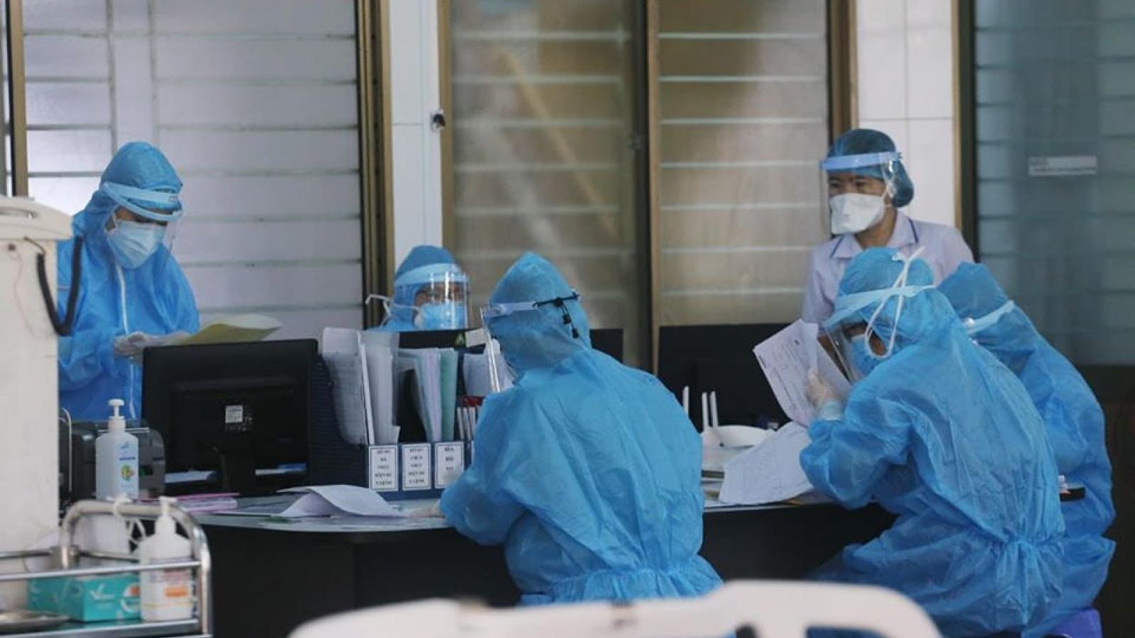 Hà Nội có thêm 7 trường hợp dương tính với SARS-CoV-2