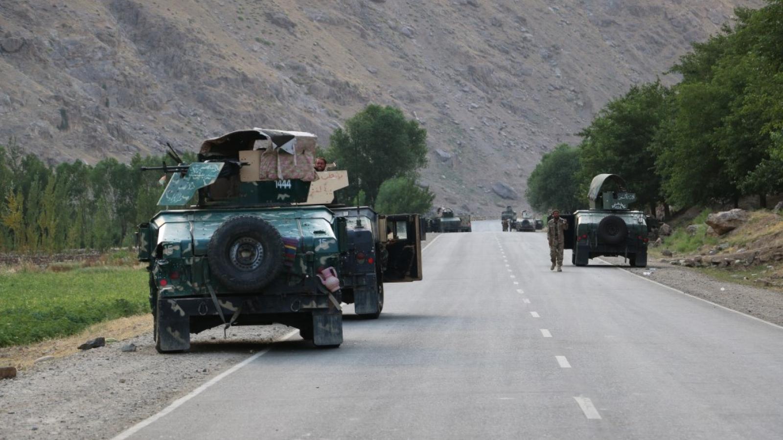 Tajikistan huy động 20.000 quân tăng cường biên giới với Afghanistan