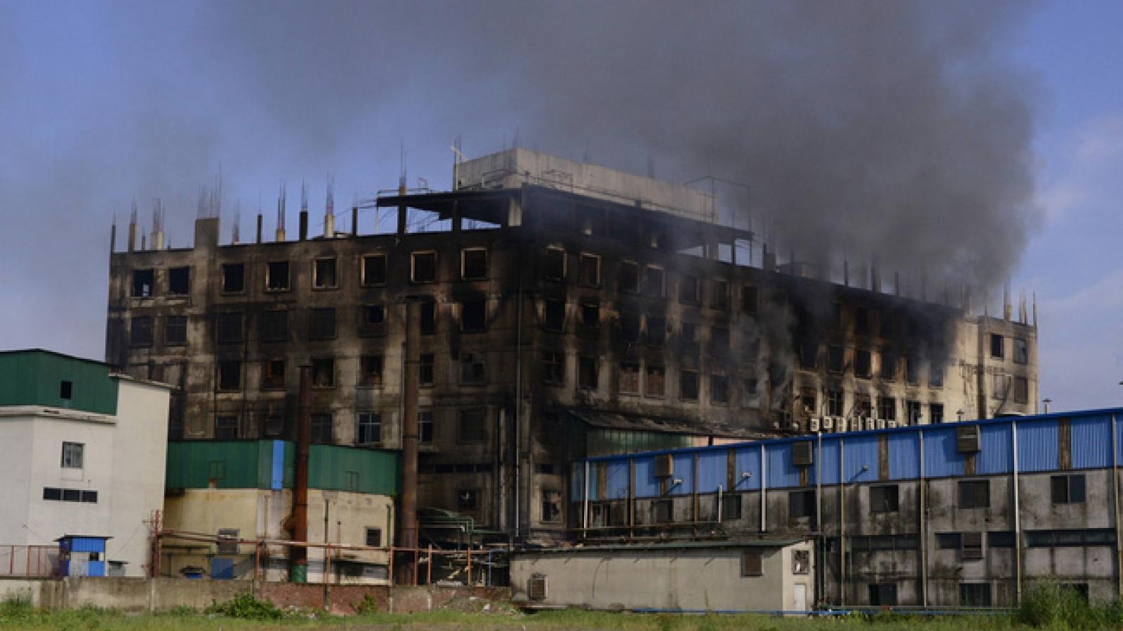 Hơn 50 người thiệt mạng trong vụ cháy nhà máy ở Bangladesh