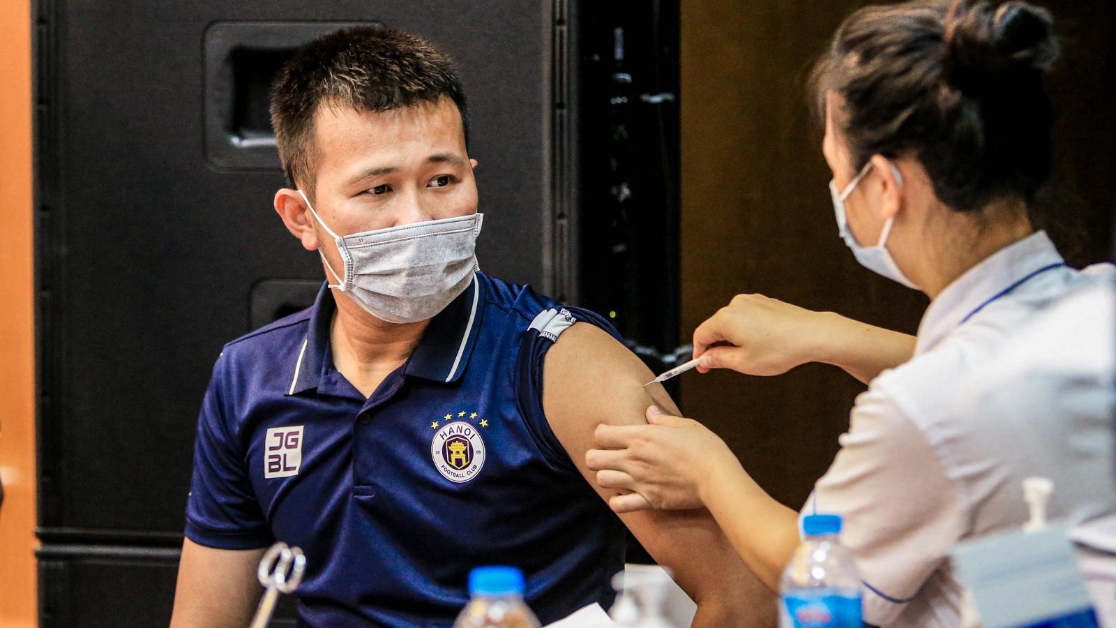 100% thành viên của Hà Nội FC đã tiêm 2 mũi vaccine Covid-19
