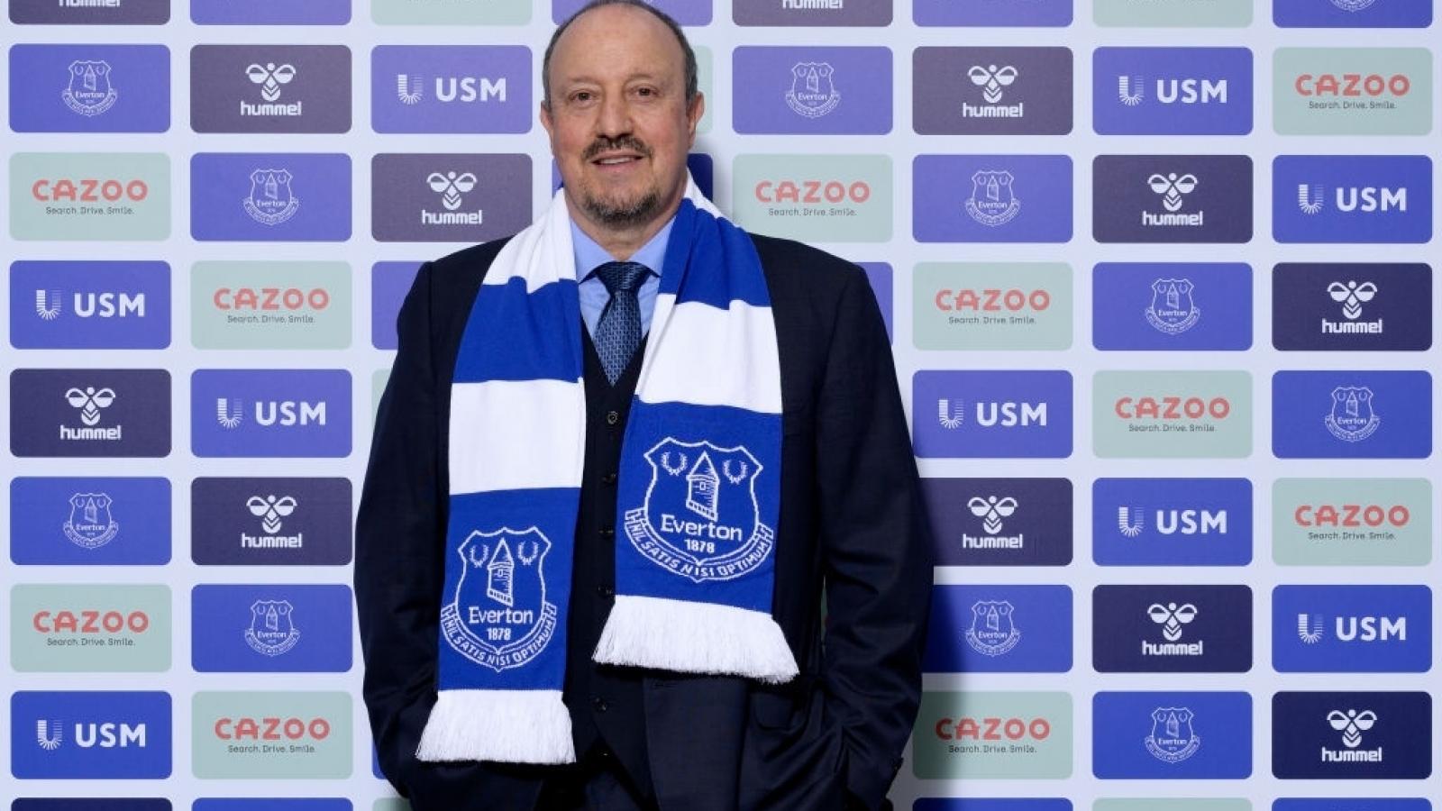 HLV Benitez đi vào lịch sử khi dẫn dắt Everton