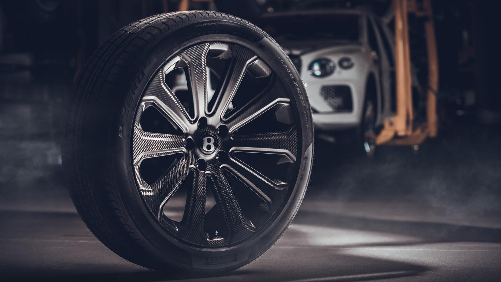 Bentley ra mắt tùy chọn mâm xe sợi carbon cho SUV Bentayga