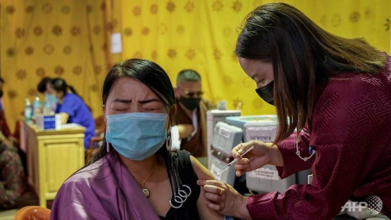Bhutan tiêm mũi vaccine Covid-19 thứ 2 cho hầu hết người trưởng thành trong 1 tuần