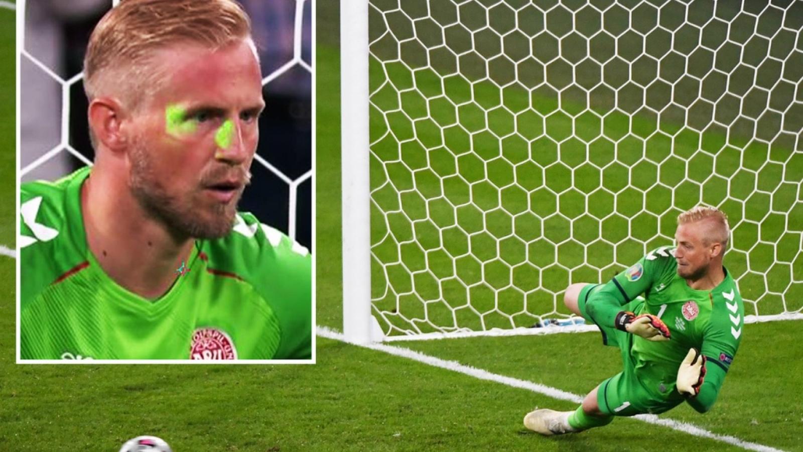 LĐBĐ Anh bị phạt nặng sau sự cố ở bán kết EURO 2021