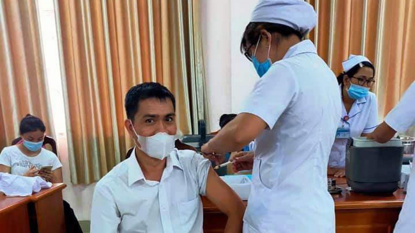 Bình Dương triển khai tiêm 1 triệu liều vaccine Covid-19 cho người dân
