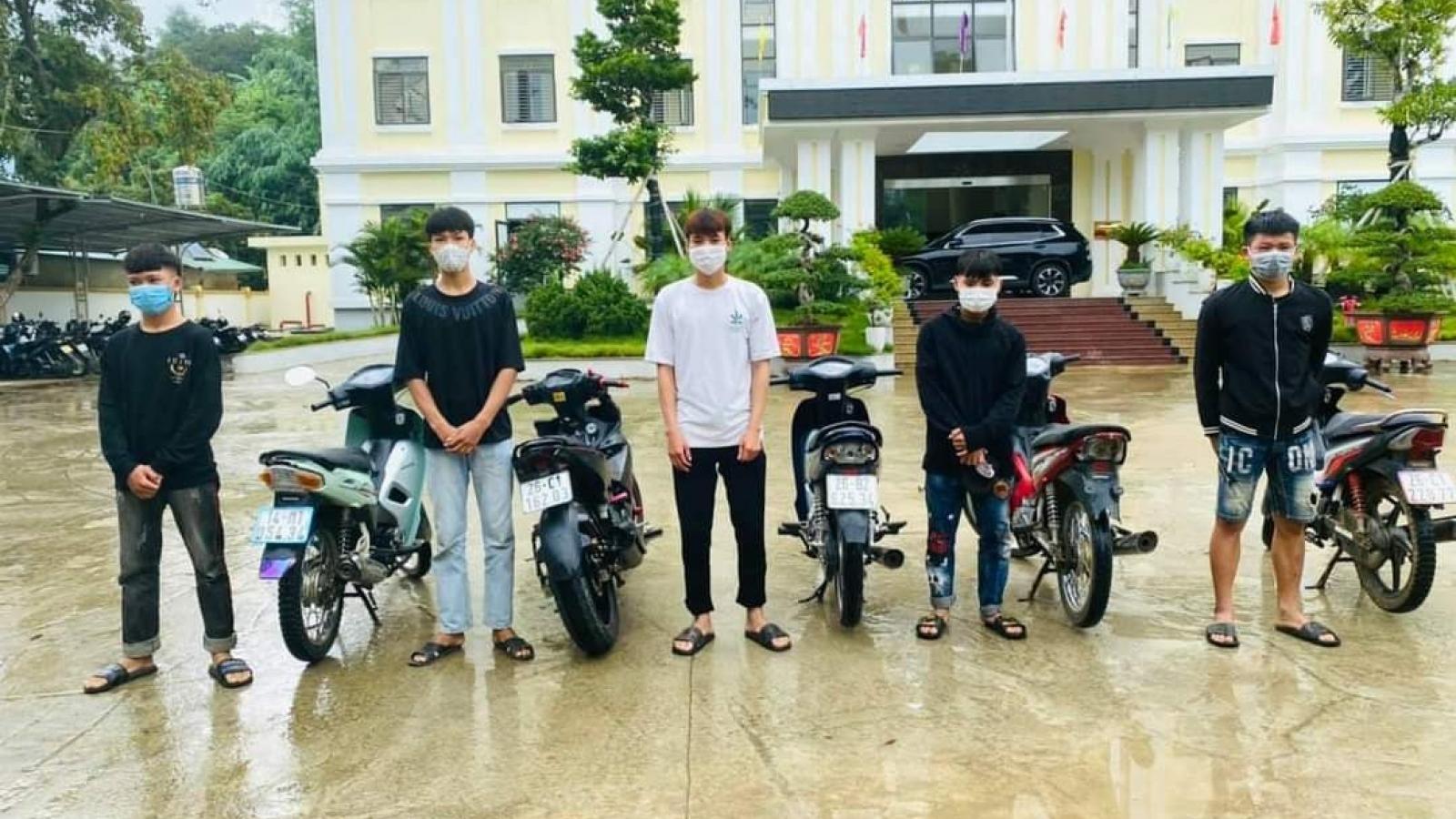 """Sơn La xử phạt 6 thanh niên khoe """"thành tích"""" bốc đầu xe máy trên mạng xã hội"""