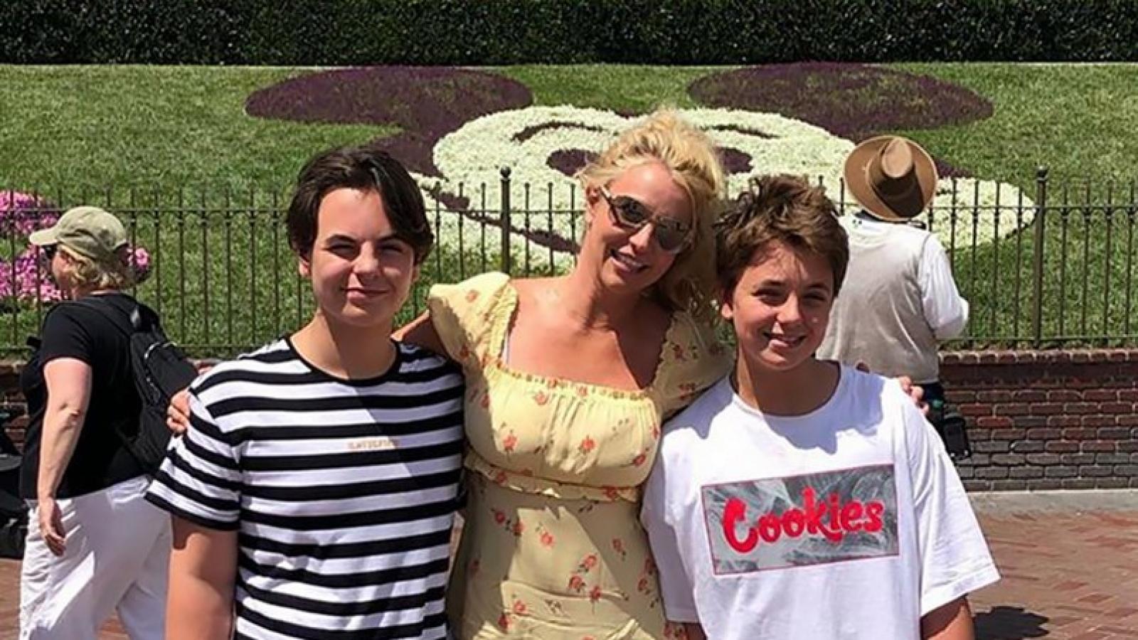 13 năm sống như nô lệ, Britney Spears chỉ hạnh phúc khi được ở bên các con