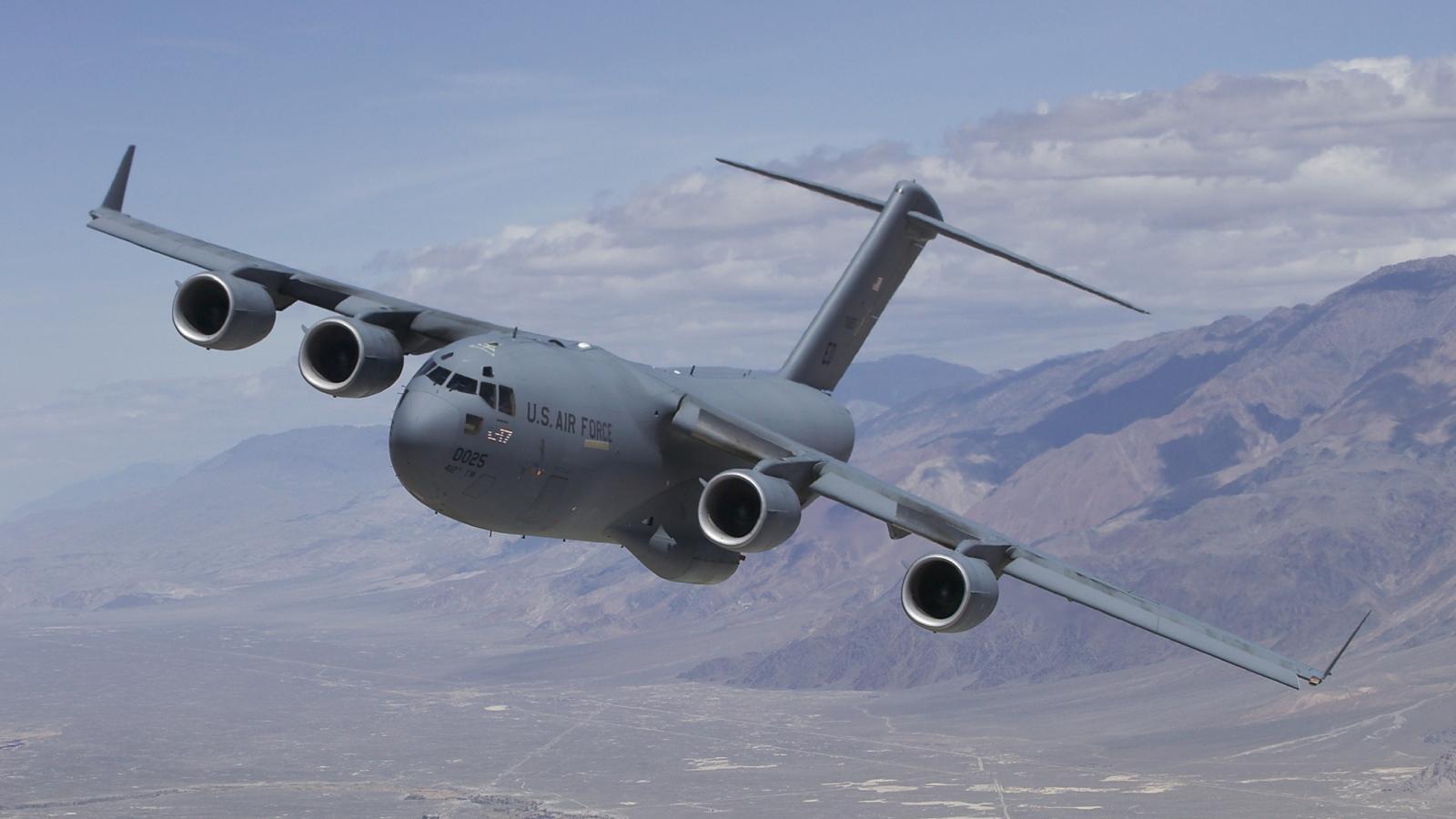 Venezuela tố máy bay quân sự Mỹ xâm phạm không phận