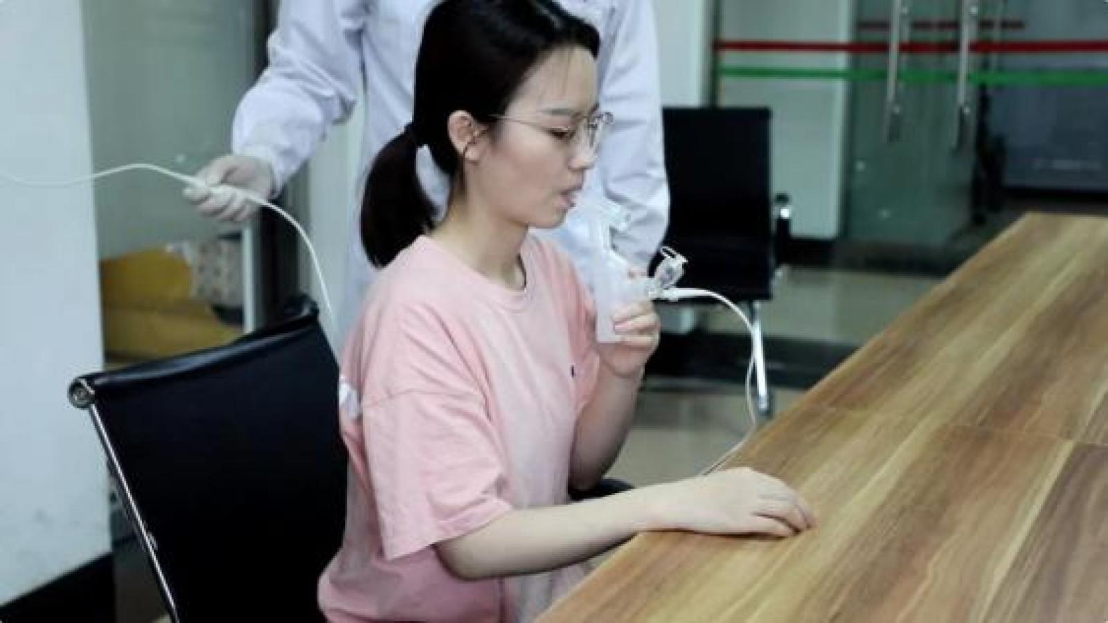 Trung Quốc công bố kết quả thử nghiệm lâm sàng vaccine Covid-19 dạng hít