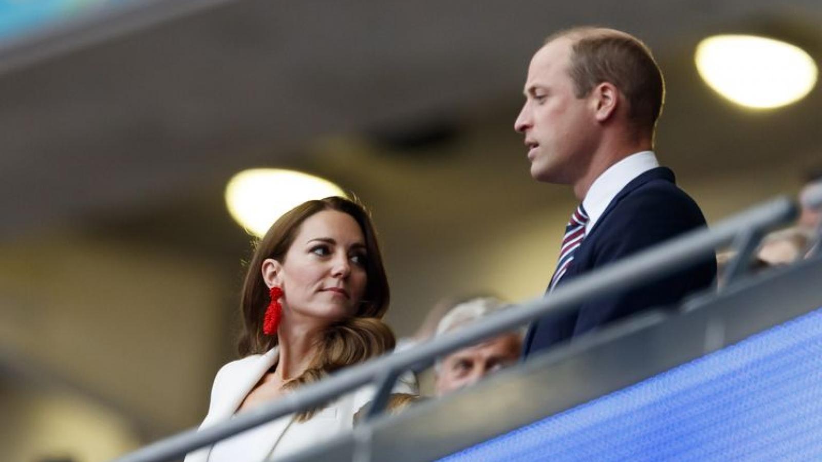 Khoảnh khắc thời trang đáng nhớ của Công nương Kate tại Chung kết Wimbledon và EURO 2021