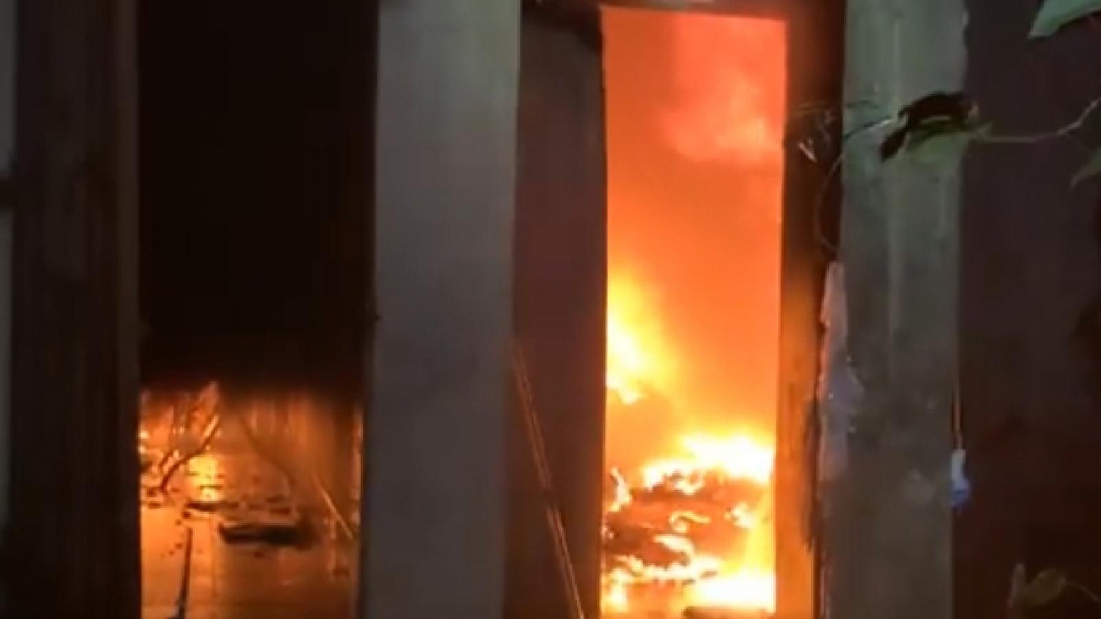 Cháy nhà trong đêm, 2 vợ chồng thiệt mạng