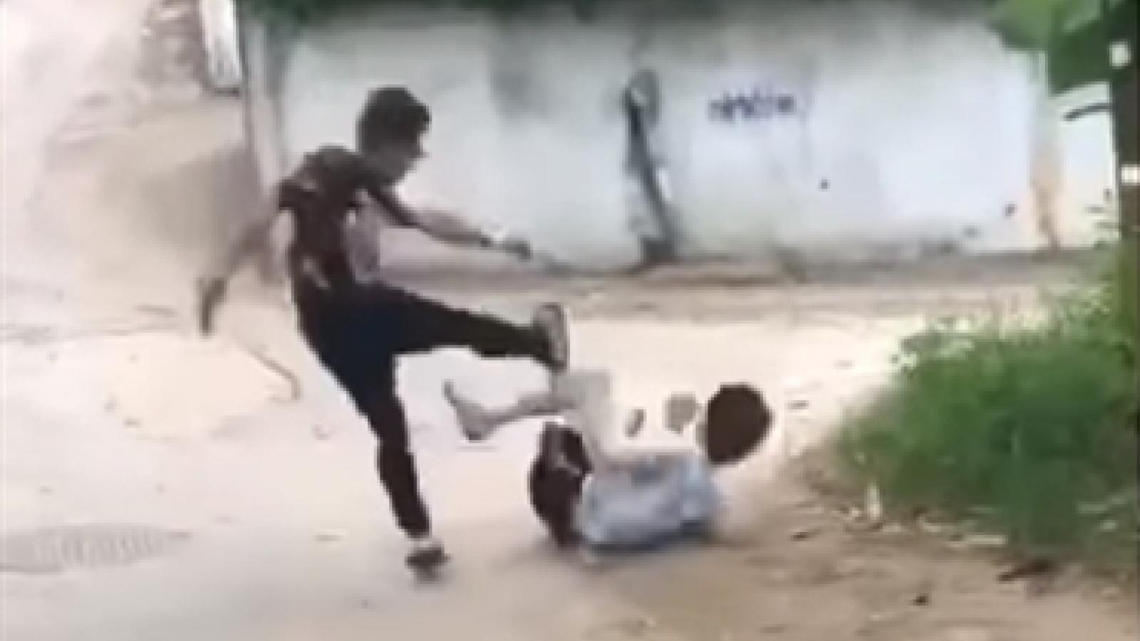 Tạm giữ nam sinh hành hung dã man người khác ở Phú Thọ