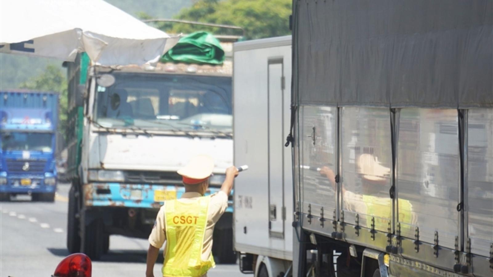 Tráo tài xế để đưa xe hàng từ TP.HCM qua chốt kiểm soát vào Đà Nẵng