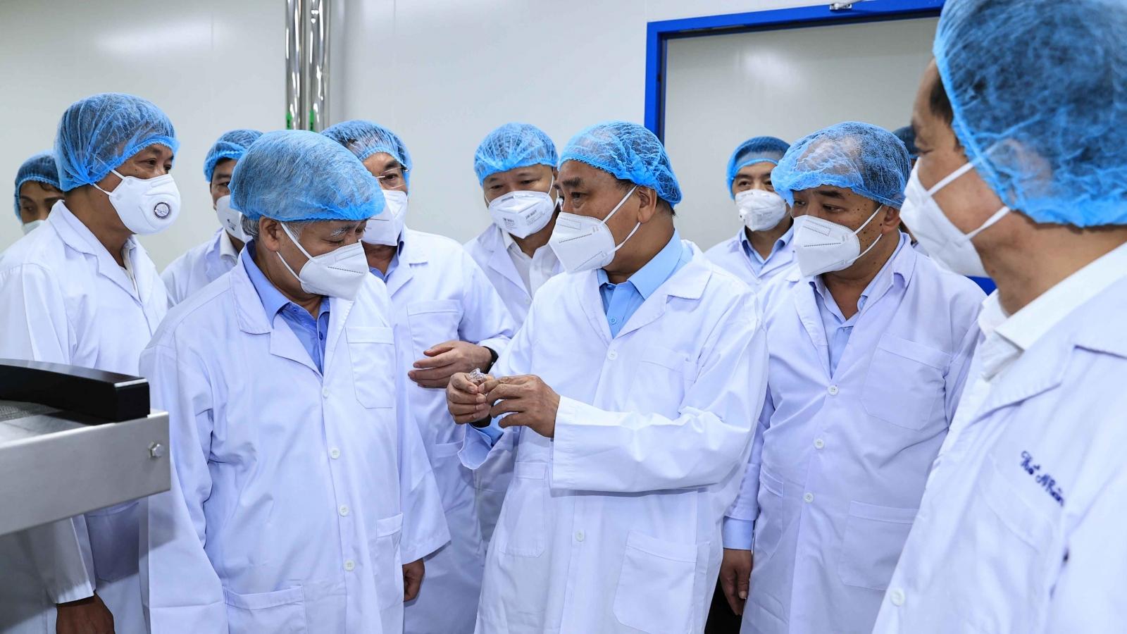 Chủ tịch nước: Đẩy nhanh thử nghiệm vaccine Nanocovax nhưng phải vì sức khỏe người dân