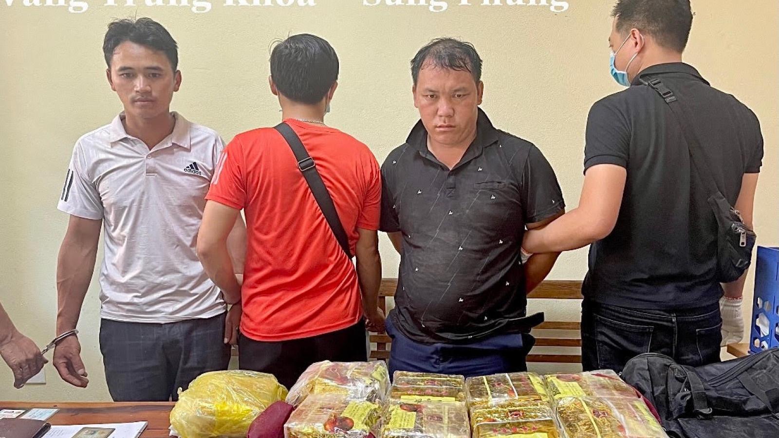 Mang 9 kg ma túy đá từ Thanh Hóa ra Lào Cai để bán lấy gần 1,3 tỷ đồng