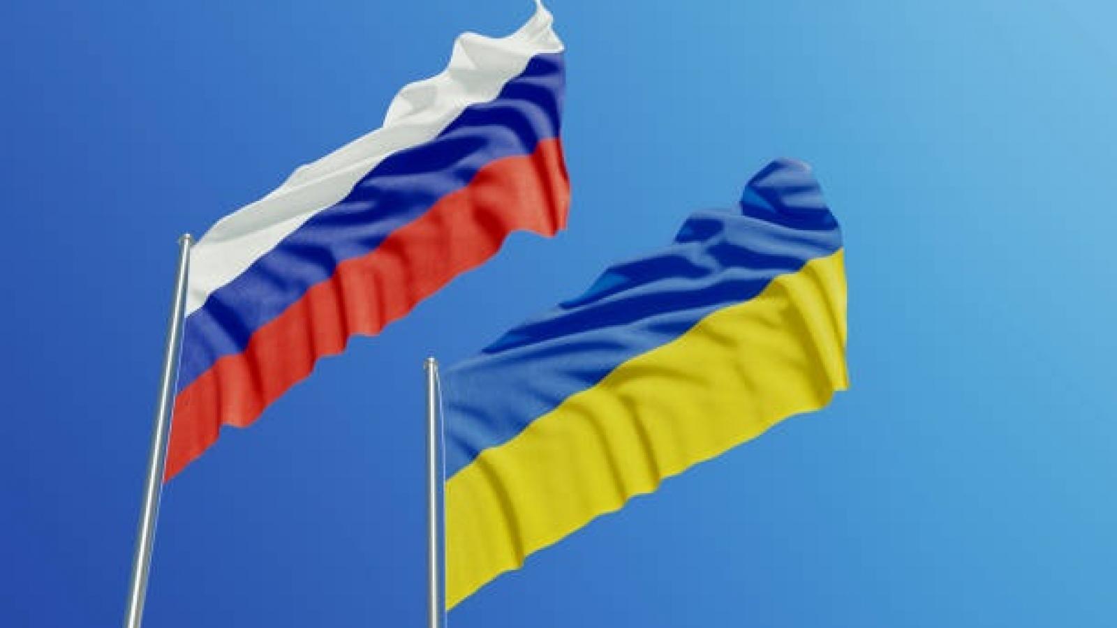 Ukraine xem xét trừng phạt 6 kênh truyền hình phát sóng phim bằng tiếng Nga