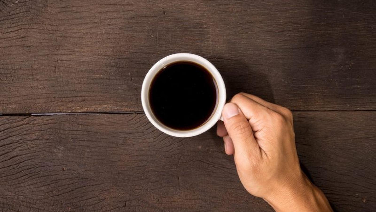 Mẹo giúp bạn yên tâm uống cà phê mà không lo xỉn răng