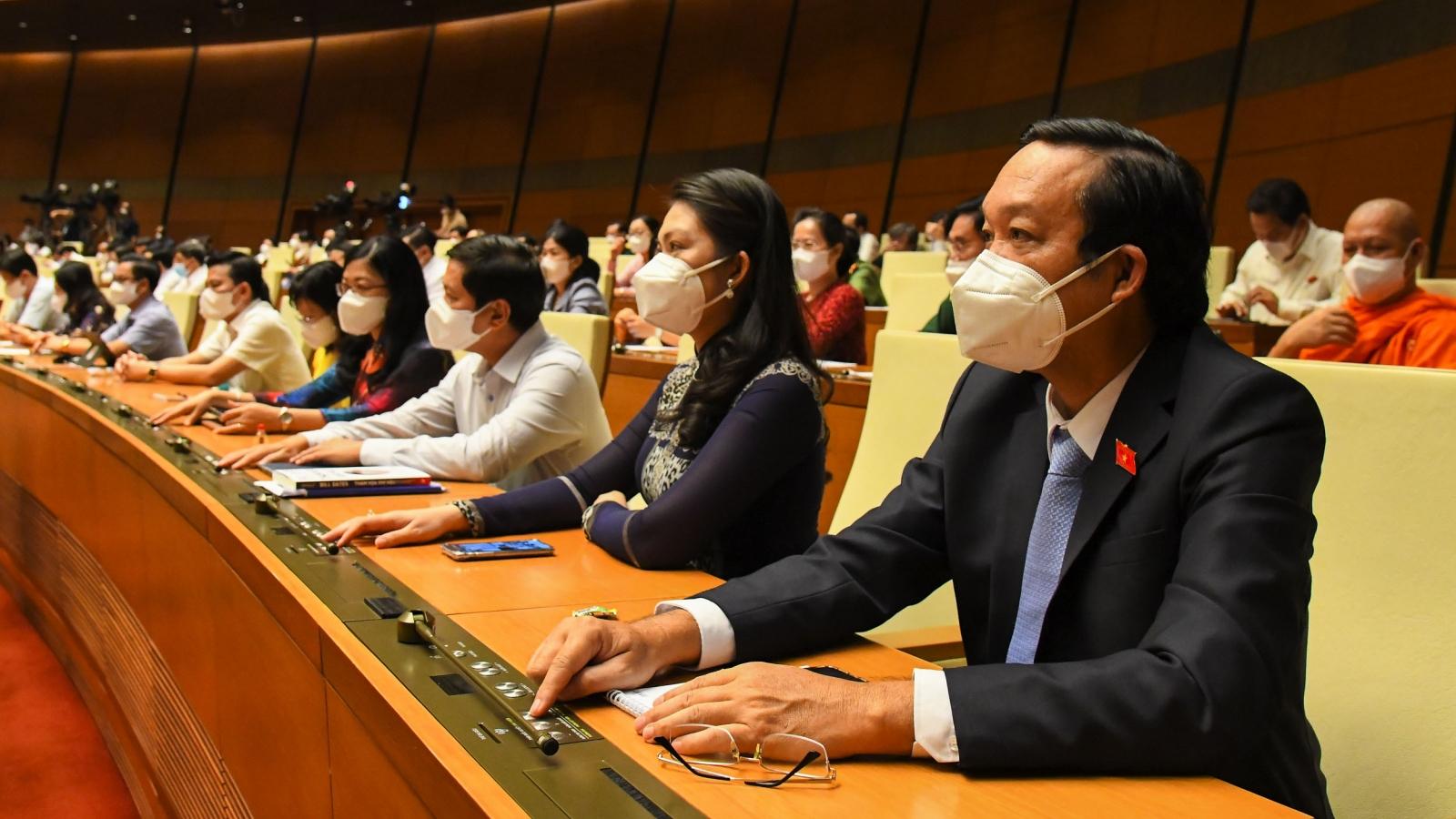 Quốc hội thông qua 2 Nghị quyết quan trọng liên quan đến đời sống dân sinh