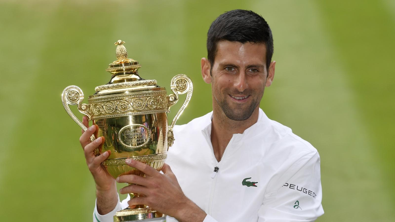 Vô địch Wimbledon 2021, Djokovic sánh ngang số danh hiệu Grand Slam của Federer và Nadal