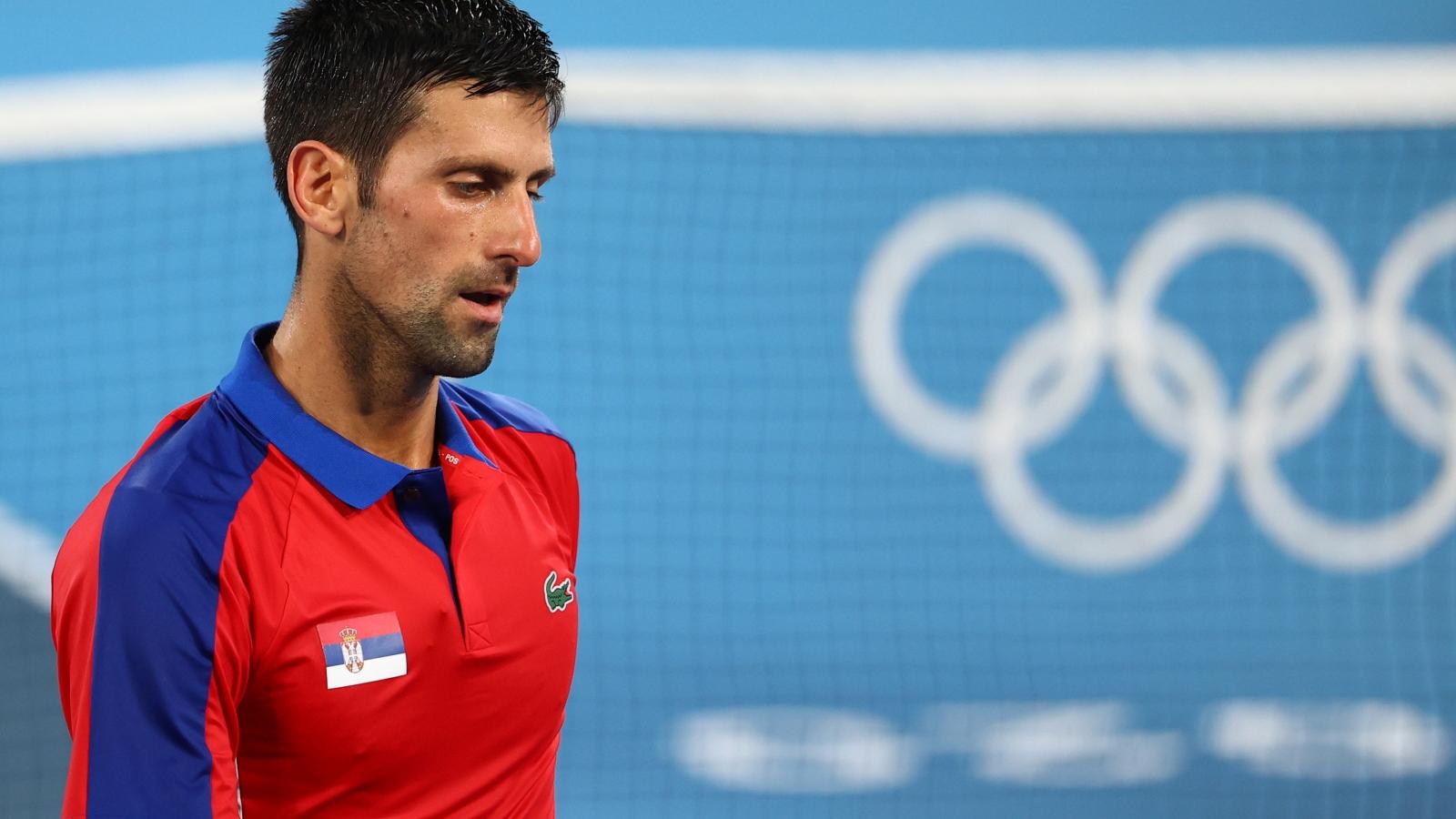 Thua ngược Zverev, Djokovic lỡ hẹn HCV đơn nam Olympic Tokyo 2020