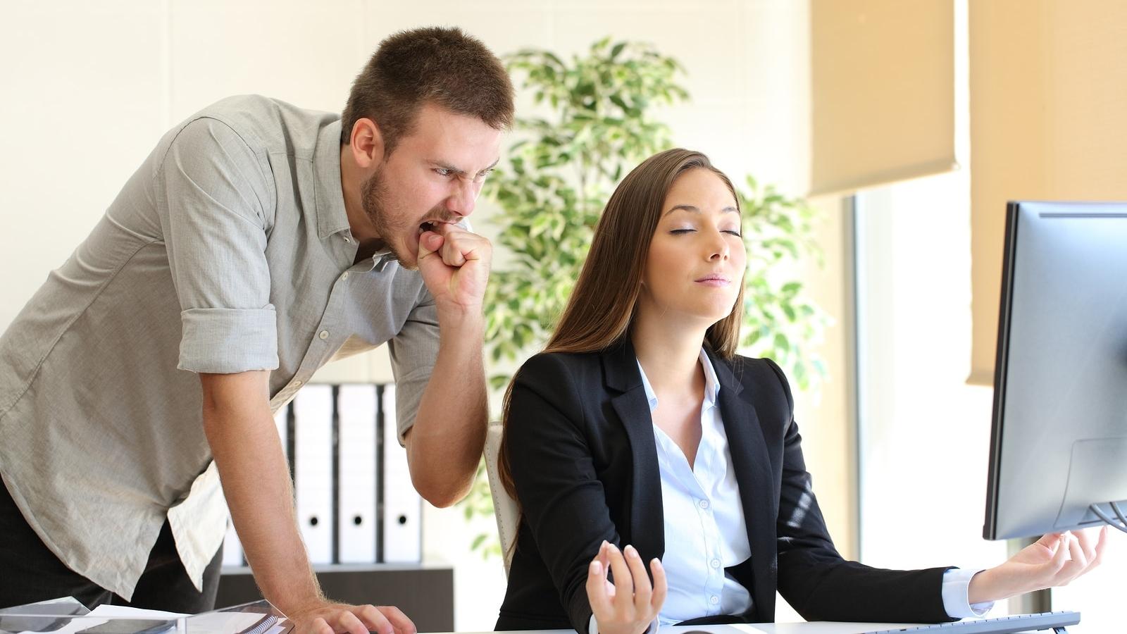 Cách đối phó với đồng nghiệp xấu tính
