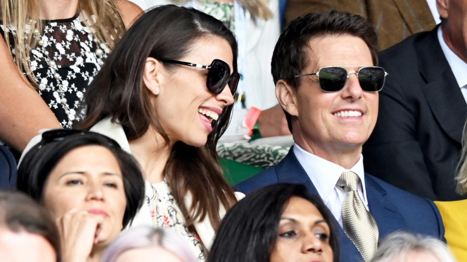 Tom Cruise bảnh bao đi xem quần vợt với bạn diễn