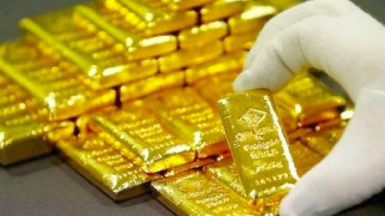 Giá bán vàng SJC đắt hơn vàng thế giới 7,45 triệu đồng/lượng