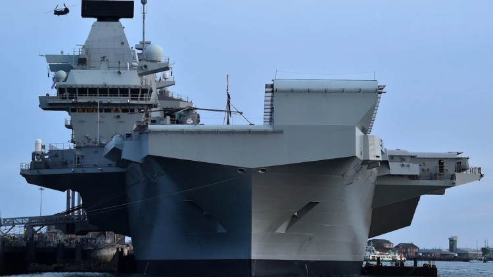 Hải quân Anh thách thức Trung Quốc, thẳng tiến Biển Đông