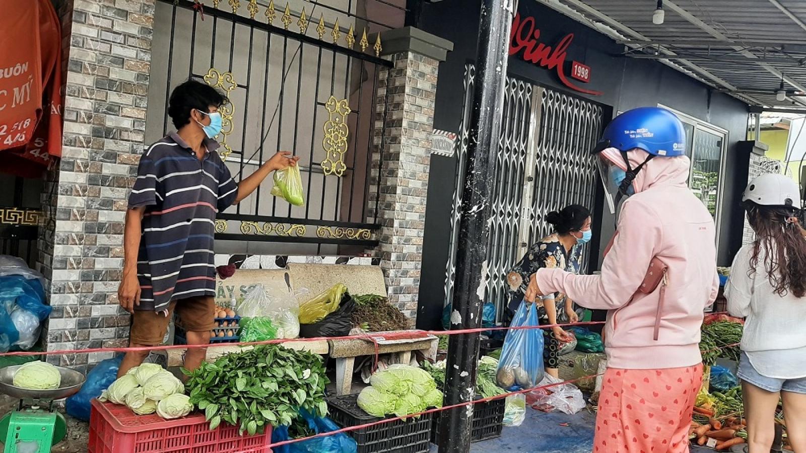 Tiền Giang: Hàng hóa thiết yếu vẫn đủ dù đóng cửa nhiều chợ