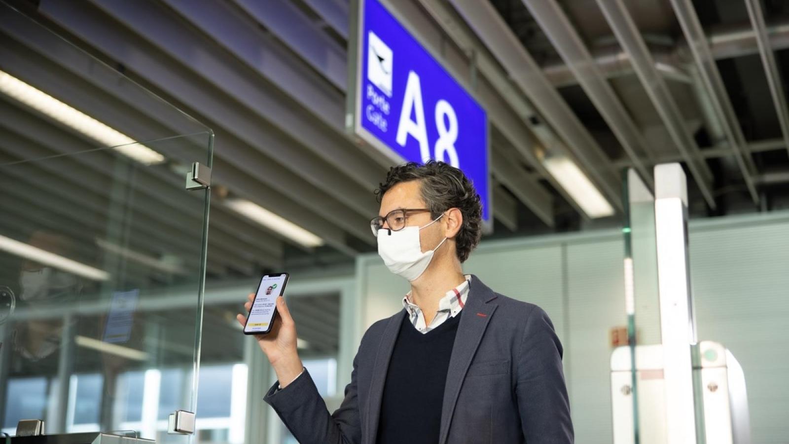 Vietnam Airlines officially pilots digital health passport