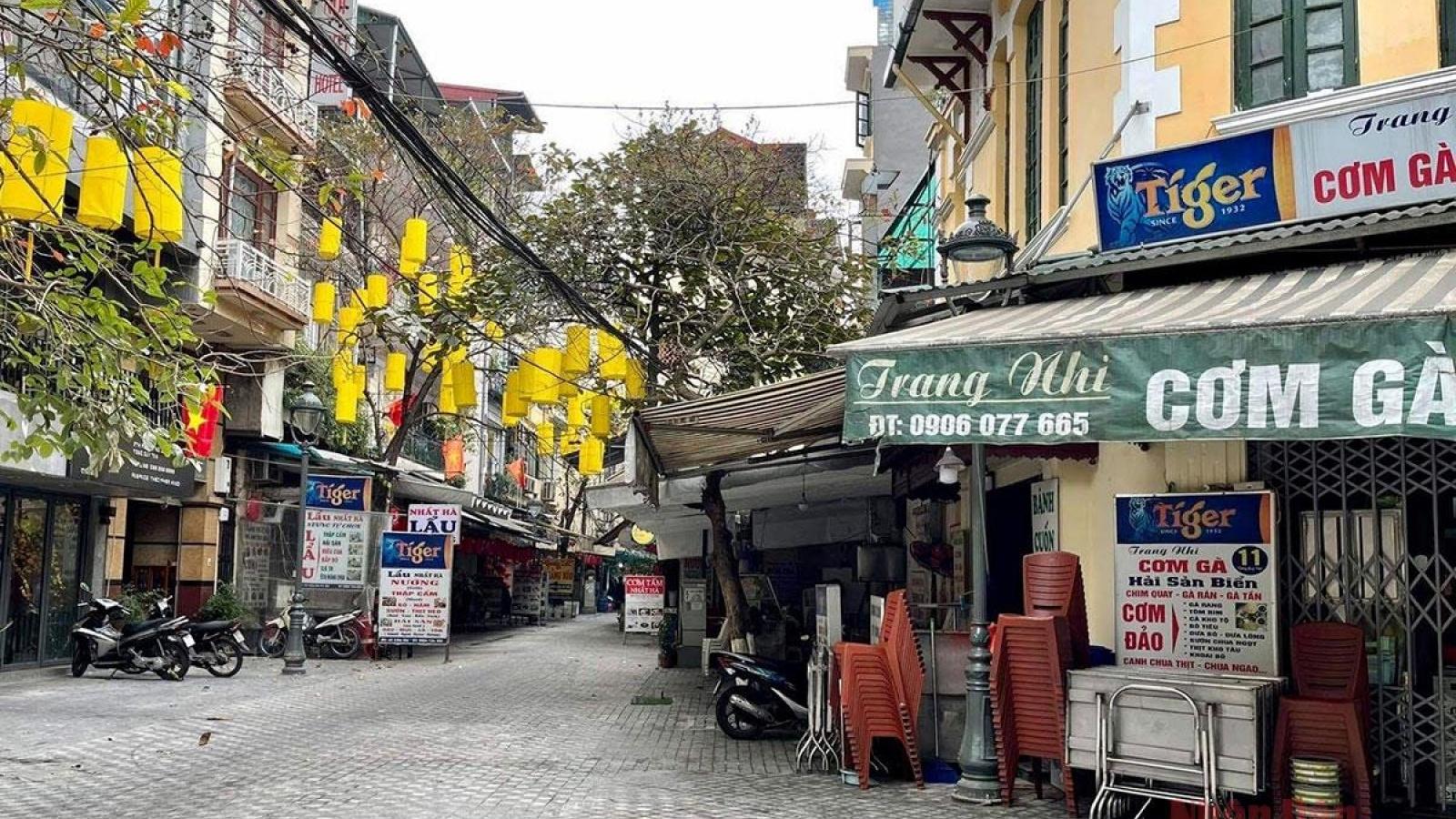 Hàng quán Hà Nội thực hiện nghiêm chỉ đạo chống dịch của thành phố