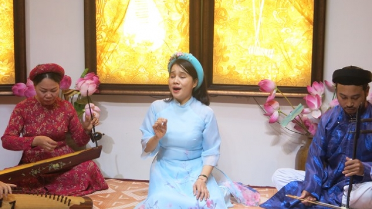 Hue folk singing to become unique cultural tourism product