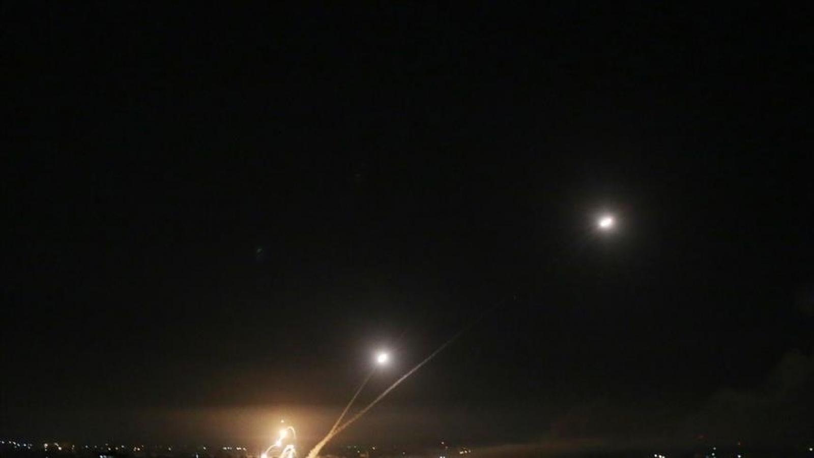 Israel bị tấn công tên lửa từ Lebanon