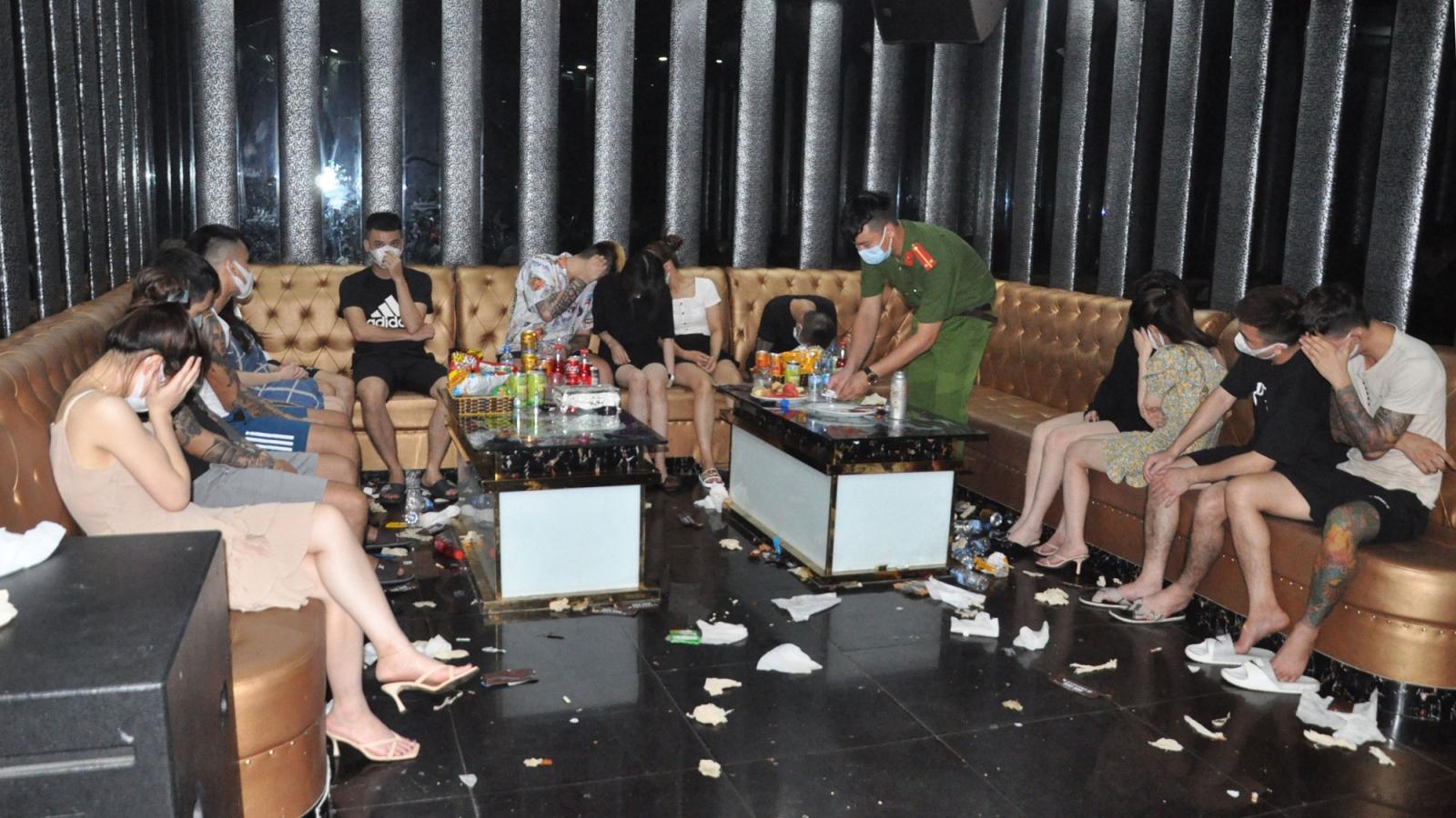 Gần 50 nam, nữ sử dụng chất ma túy trong quán karaoke giữa mùa dịch