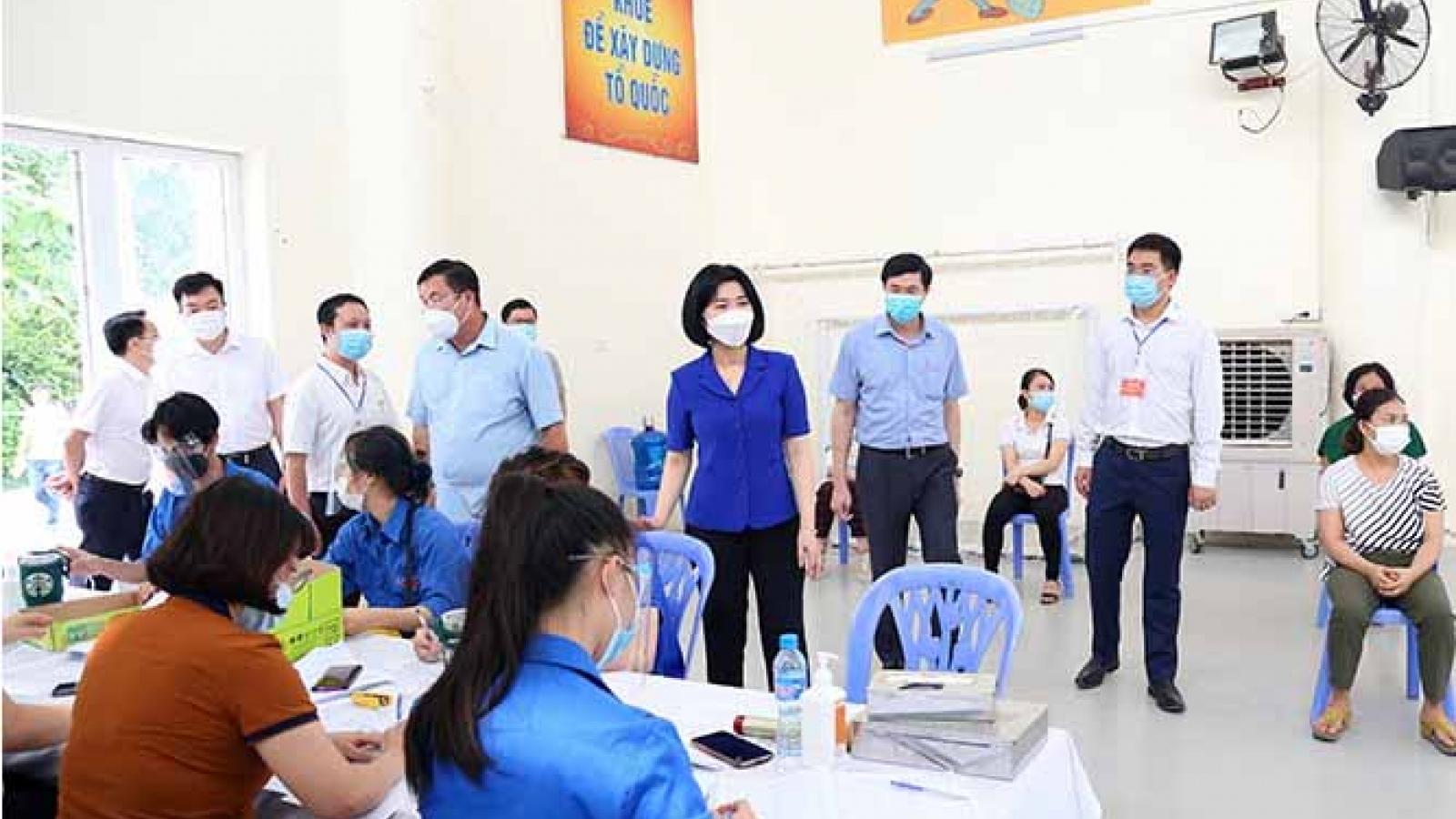 Lãnh đạo HĐND Hà Nộikiểm tra phòng, chống dịch tại huyện Ứng Hòa và quận Hoàng Mai