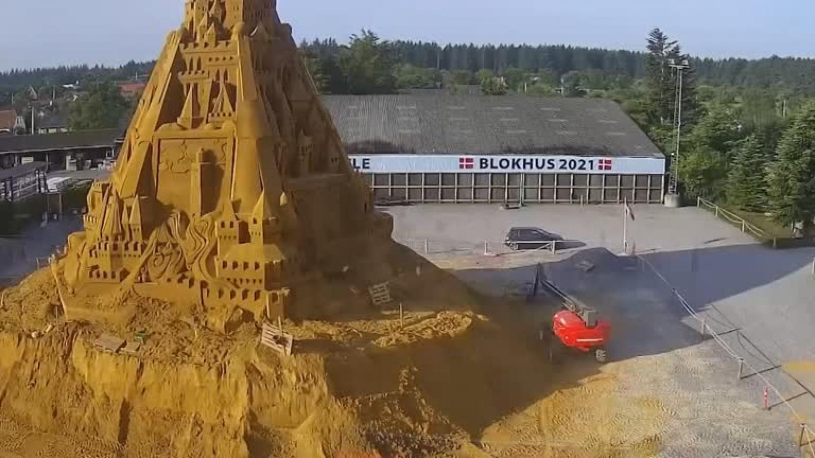 Lễ hội điêu khắc cát mang đậm dấu ấn đại dịch Covid-19 tại Đan Mạch